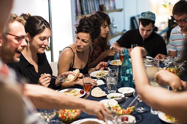 follow-the-colours-mealsharing-EilonPaz