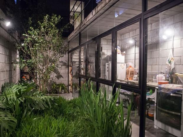 """Imóvel de Dalvina, na Zona Leste de São Paulo, ganhou o prêmio internacional """"Building of the Year 2016"""" (melhor construção do ano), promovido por um dos sites mais importantes do segmento no mundo, o ArchDaily (Foto: Marcelo Brandt/G1) (Foto: Marcelo Brandt/G1)"""