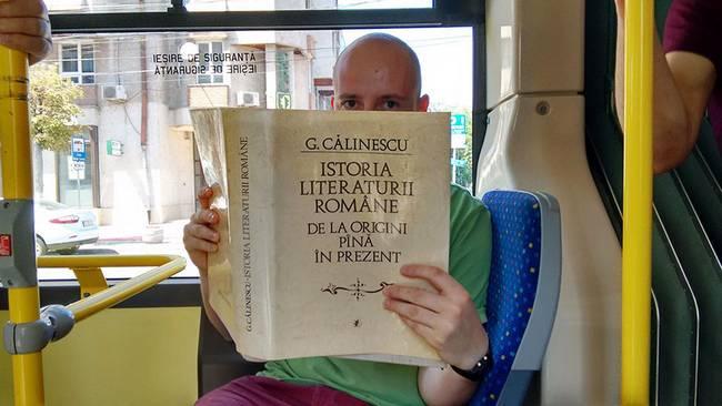 passagens-gratuitas-para-passageiros-que-leem-livros-3