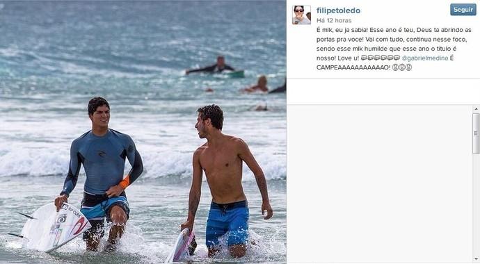 Filipe Toledo, que ficou fora de Teahupoo, publicou uma foto ao lado de Medina (Foto: Reprodução)