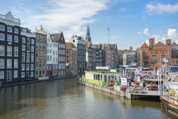 20Amsterda-Holanda-iStock-crop1