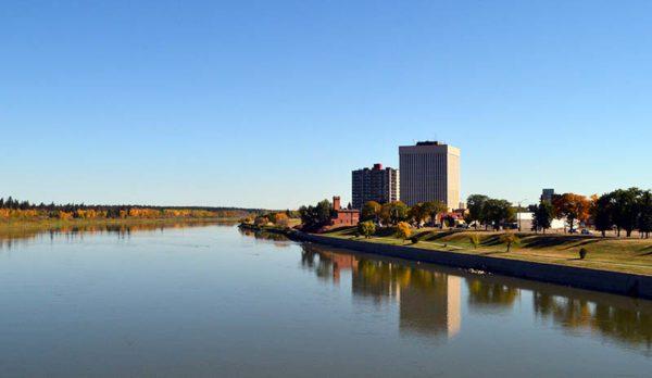 Prince_Albert_Saskatchewan_in_fall_01