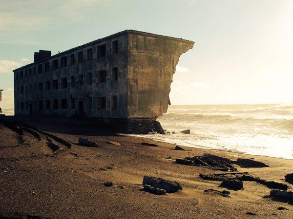 cidade-de-pescadores-praia-abandonada