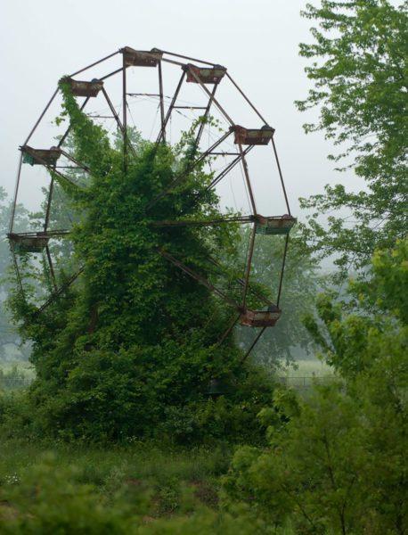roda-gigante-abandonada